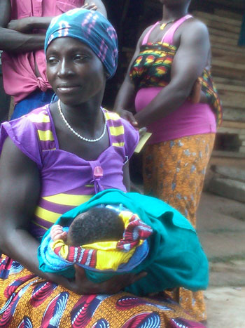 Support groups empowered this woman to seek life-saving assistance during childbirth. After telling her story, she became a positive role model for the community.