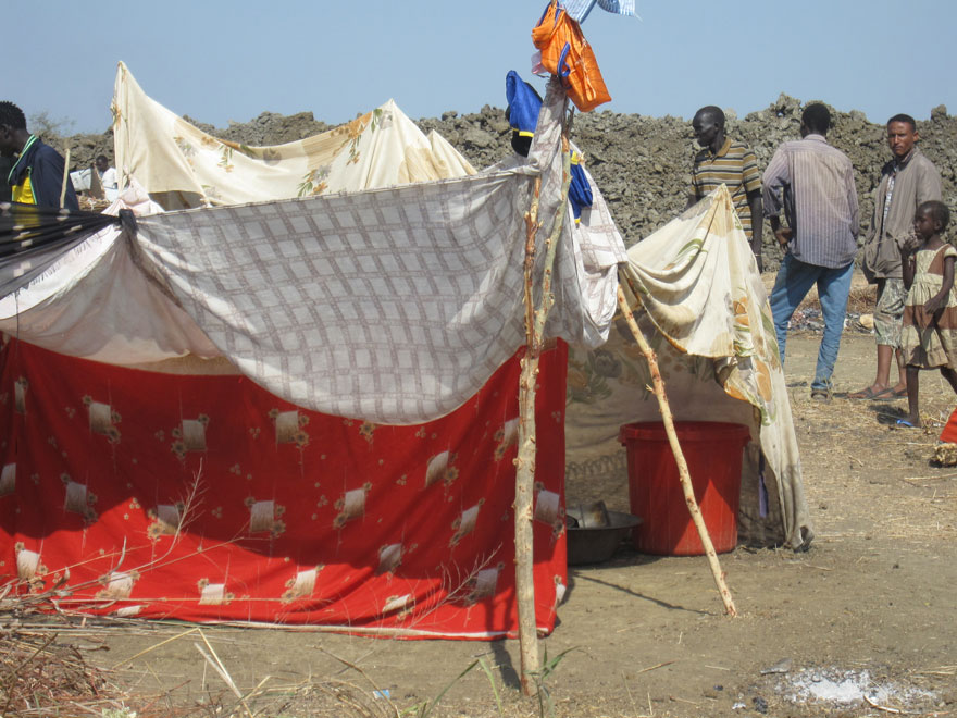 Bentiu camp makeshift shelter