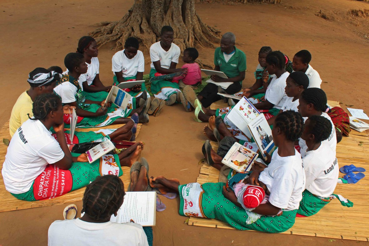 Josephina leads a bi-weekly session for the SNIC project in Malawi