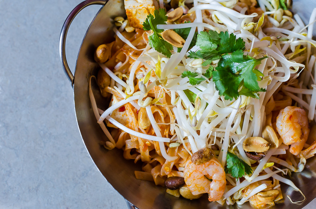 Pad thai with mung bean sprouts