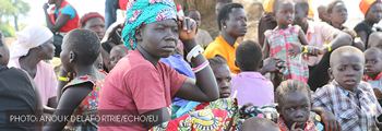 Huge numbers flee South Sudan