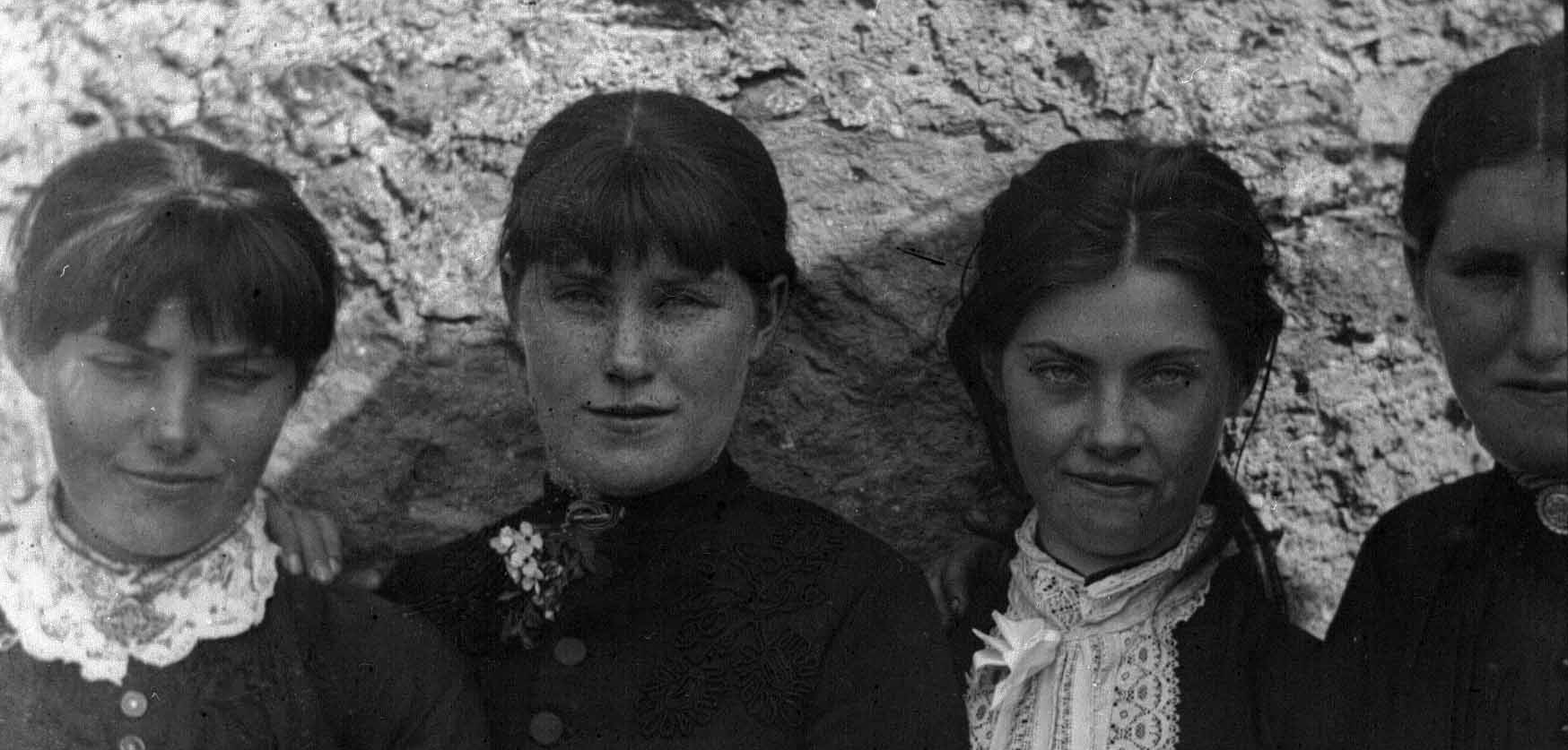 Members of the O'Halloran family at their home in Bodyke, Co. Clare, c1890.