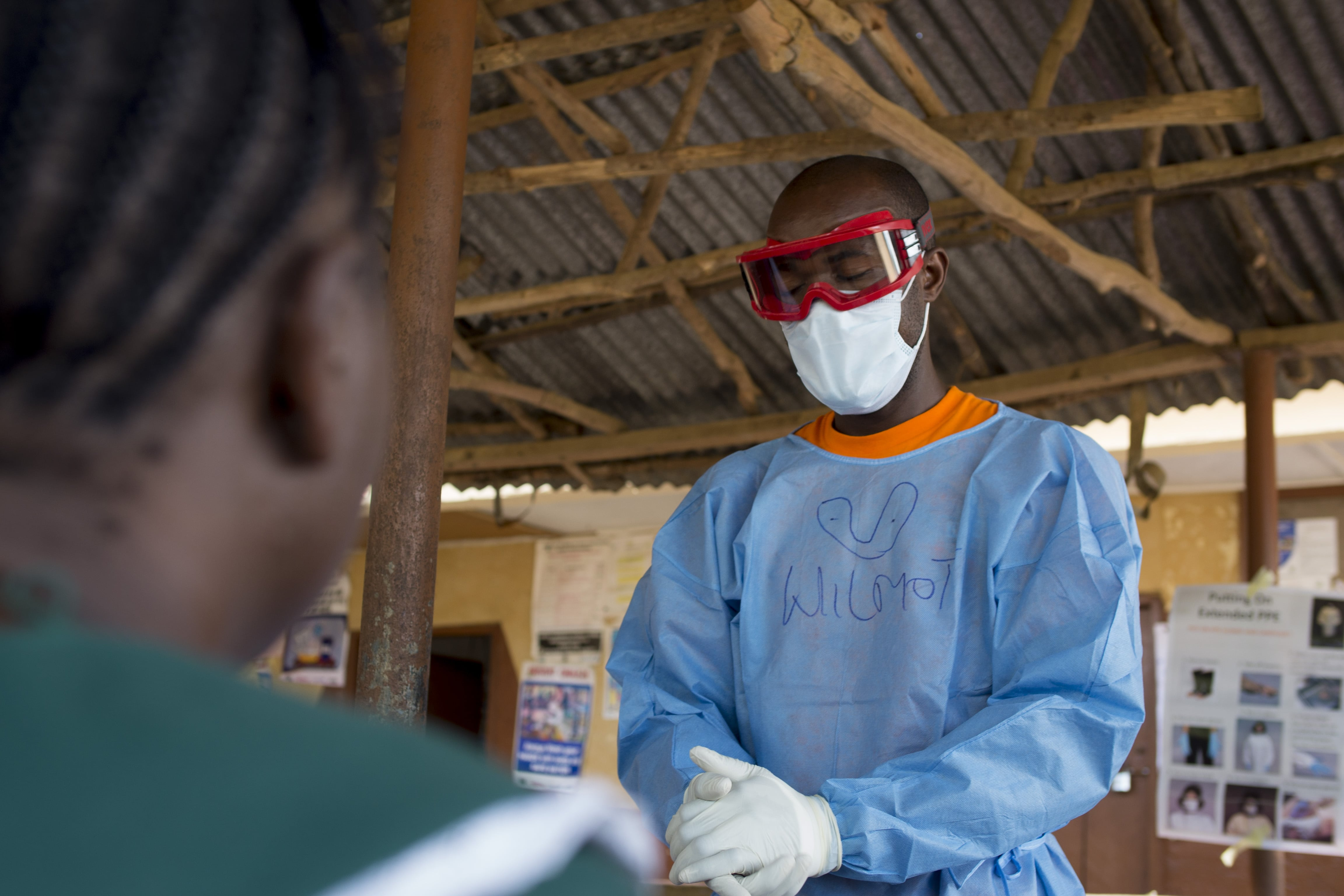 Infection prevention and control (lPC) training for staff faced with Ebola