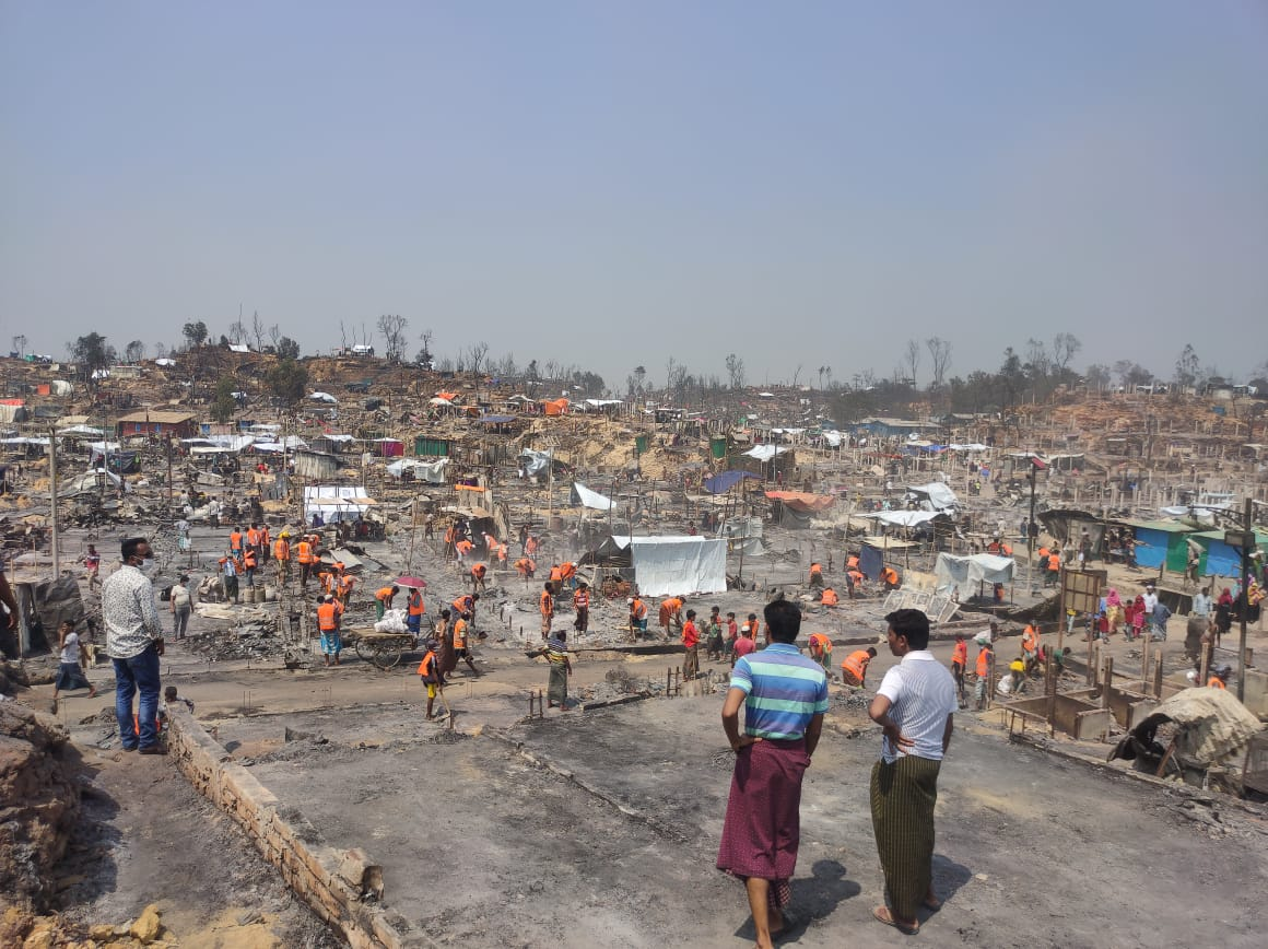 Aftermath of fire at Rohingya camp